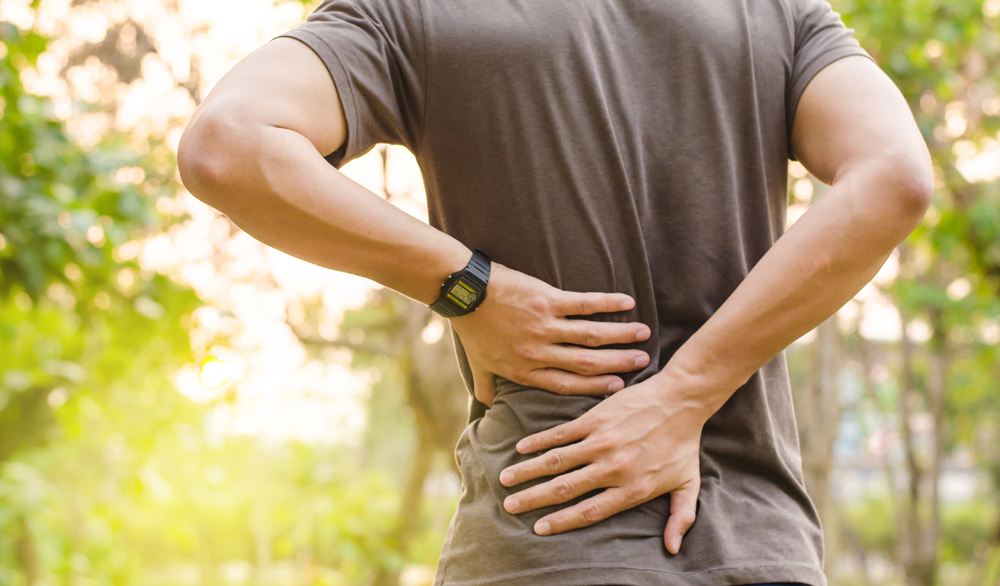 Man with Herniated Disc needs chiropractic care.